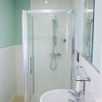 Ensuite bathroom at Seaview Guesthouse
