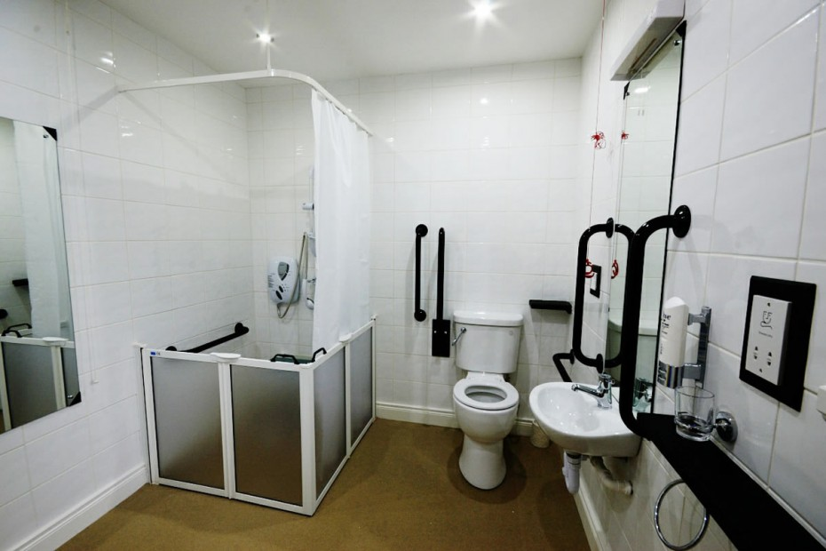 Our bedrooms seaview guesthouse rostrevor for Bathroom designs for seniors